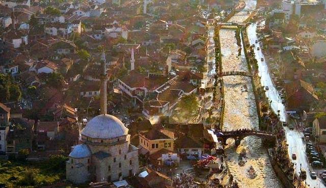 Vucic'den, Kosova'nın Trepçe madenine provokatif gezi