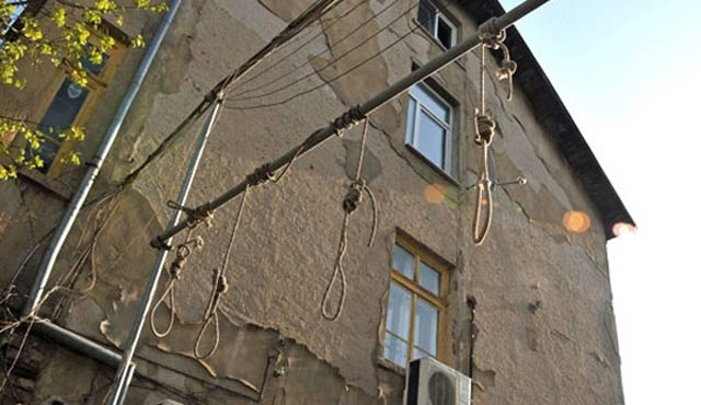 Bulgaristan'da mülteci düşmanlığı: Ev önüne idam sehpası