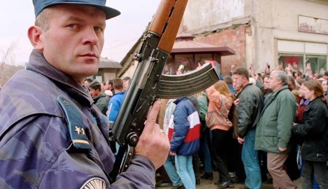 Kosovalı öğretmenlere savaş tazminatı