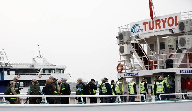 Geri gönderilen göçmenler Midilli'den yola çıktı