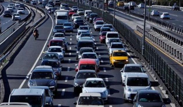 Trafiğe kayıtlı 20 milyon 159 bin araç var
