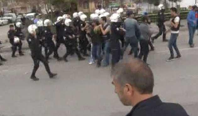 Ankara'da yürüyüş gerginliği; 10 gözaltı