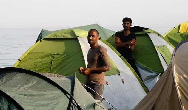 Yunanistan dört sığınmacı daha gönderdi