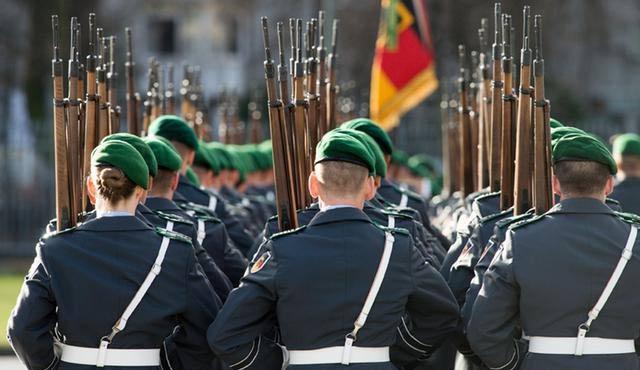 Alman ordusuna iç güvenlik görevi geliyor