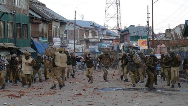 Keşmir'de çatışma; yedi ölü