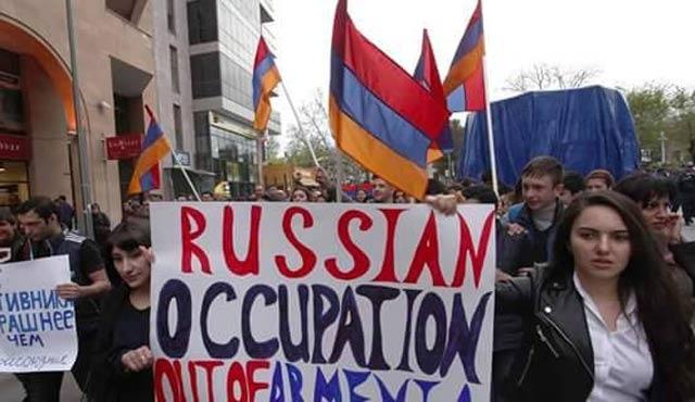 Ermenistan'da Rusya protesto edildi