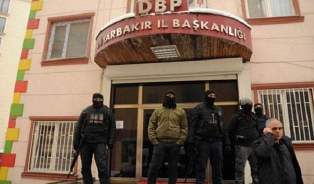 Diyarbakır'da DBP yöneticileri tutuklandı