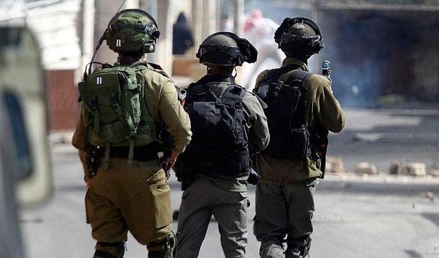 İsrail askerine bıçaklı saldırı