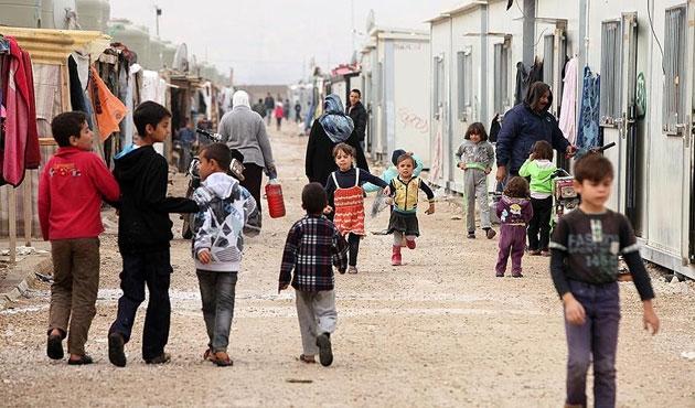 Paris'te sığınmacı kampı kuruluyor