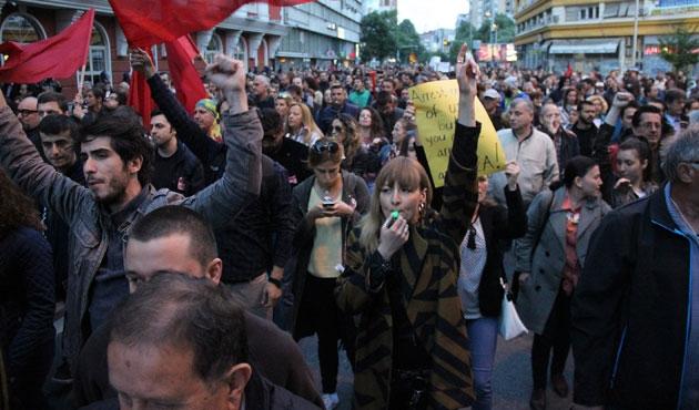 Makedonya'da siyasilere af protestosu