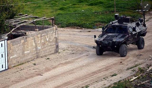 Nusaybin'de eve tuzaklanan bomba patladı; üç yaralı