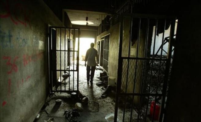 Suriyeli mahkumlar Hama hapishanesini ele geçirdi