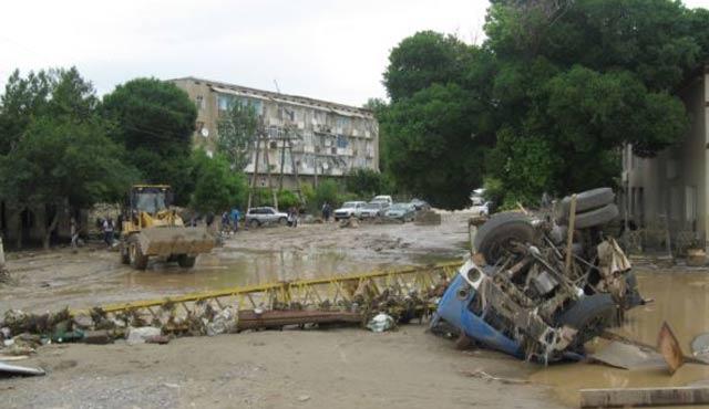 Tacikistan'da sel felaketine kriz masası