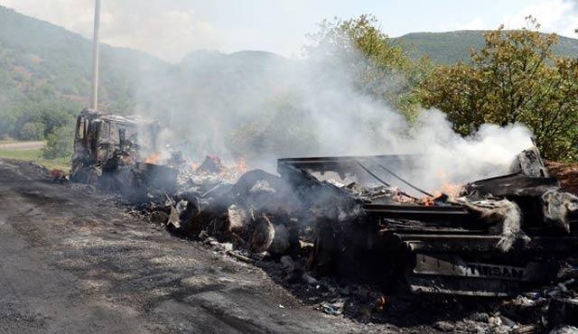 Tunceli-Erzincan karayolunda tır ve kamyon kuyruğu