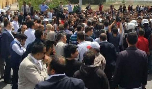 MHP'li muhaliflerle polis arasında gerginlik