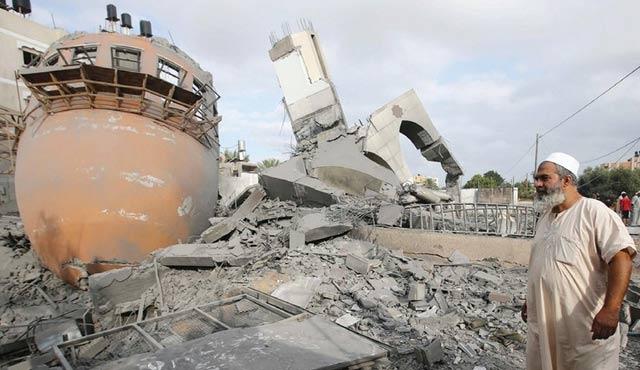 İsrail iki Filistinlinin evini yıktı