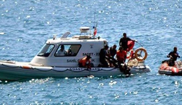 Çeşme'de 52 göçmen yakalandı