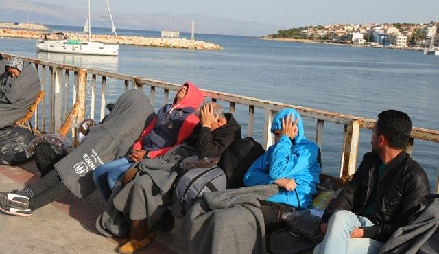 Çeşme'de 62 göçmen yakalandı