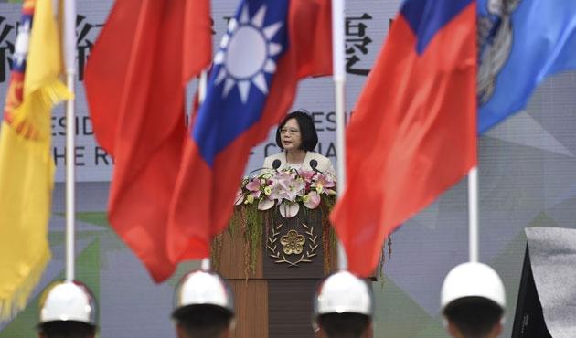 Tayvan'ın yeni başkanı göreve başladı