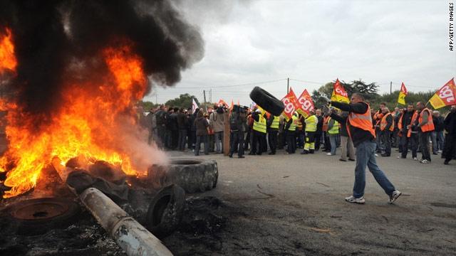 Fransa'da işçi eylemleri büyüyor