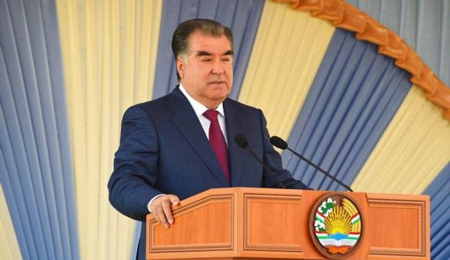 Rahman artık Tacikistan'ın 'ebedi lideri'