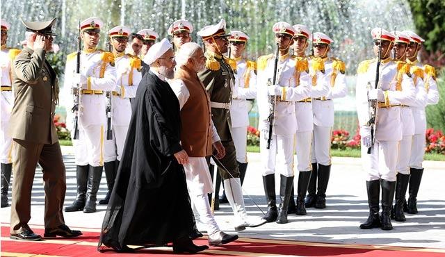 Hindistan Başbakanı Modi, İran'da