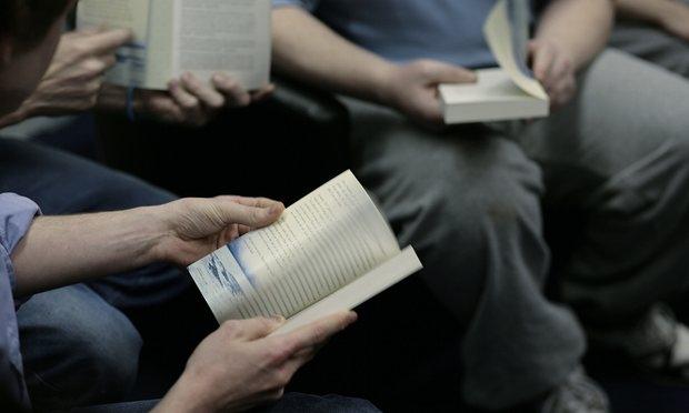 Rus nezarethanelerinde kitap okumak yasak