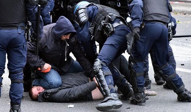 Fransa'da tartışmalı tasarıda değişiklik sinyali