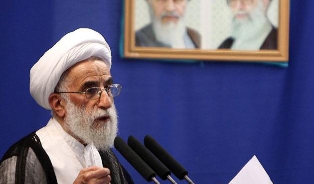 İran'da siyasi çekişme Uzmanlar Meclisi'ne de yansıdı