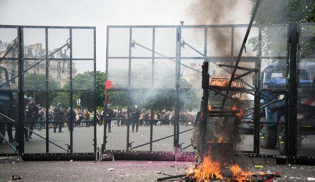 Fransa yeni grev dalgasıyla karşı karşıya