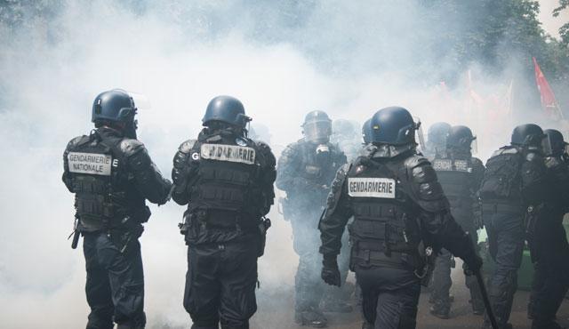 Grevlerin pençesindeki ülke: Fransa