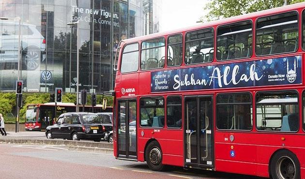 Londra'da otobüslere 'Sübhanallah' yazılı ilan