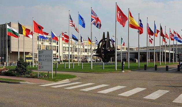 Futbol stadında NATO zirvesi