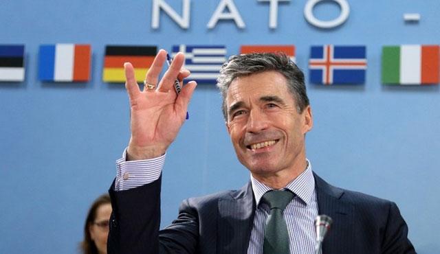 Eski NATO sekreteri, şimdi Ukrayna'nın danışmanı
