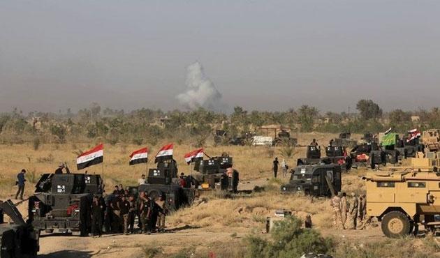 Binlerce Iraklı Felluce'den kaçıyor