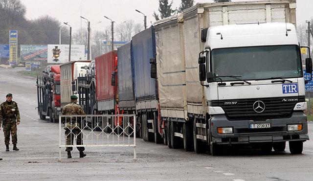 Rus TIR sürücülerine vize zorunluluğu başladı