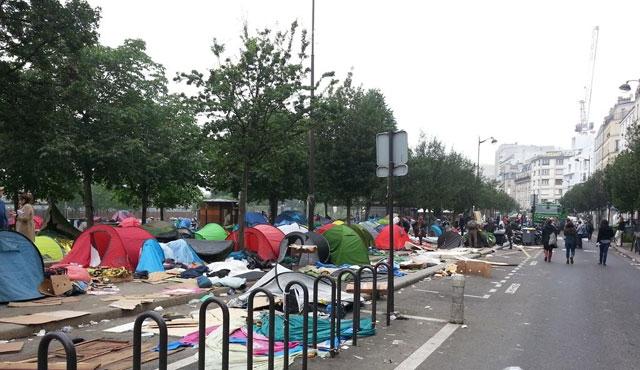 Paris'te sığınmacıların kaldığı park boşaltıldı