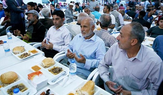 Sur'da terör mağduru vatandaşlara iftar çadırı
