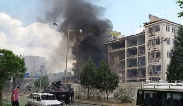 Midyat'ta Emniyet Müdürlüğü'ne bombalı saldırı | VİDEO
