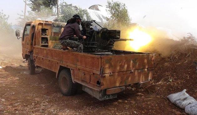 Suriyeli muhaliflerin Hama ilerleyişi sürüyor