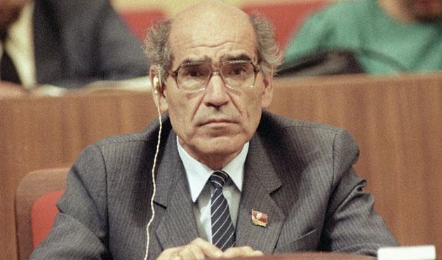 Tacikistan'ın ilk cumhurbaşkanı öldü