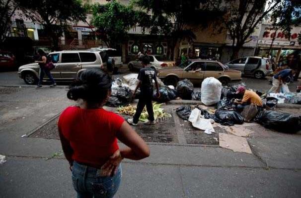 Venezuela'da kriz halkı vuruyor
