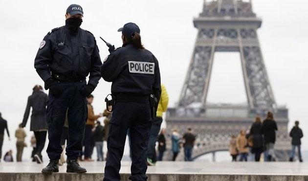 Fransa güvenlik gücü sayısını arttırıyor