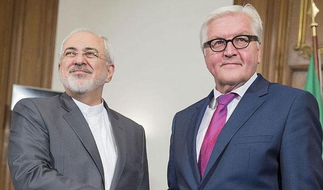 Almanya muhalifleri Cenevre'de görmek istiyor