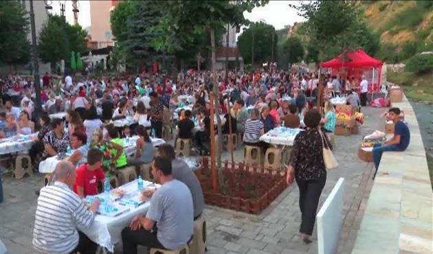 Bereket Konvoyu Kosova'daydı