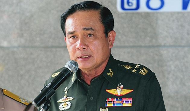 Tayland'da darbecilerden seçim kararı