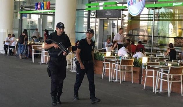 İstanbul'daki bombalı saldırıdan sonra İzmir'de alarma geçti