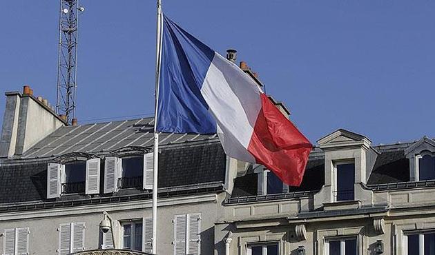 Fransa'da okullara terör nedeniyle 'acil durum bilekliği'