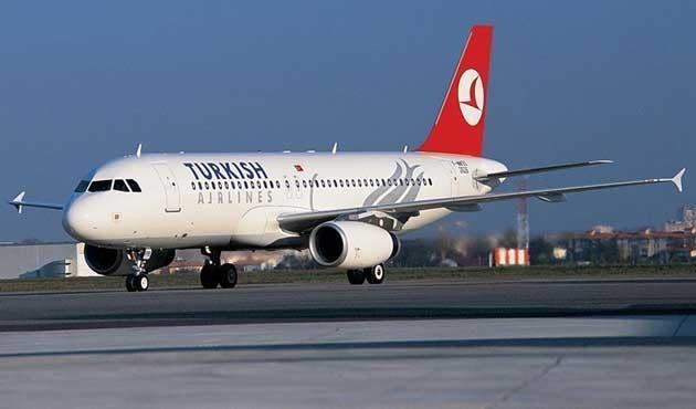 THY uçağı sorunlu yolcu nedeniyle bekliyor