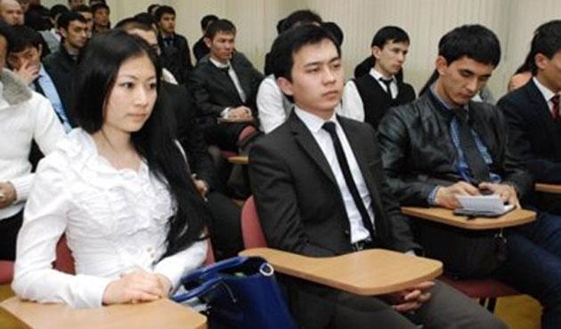 4 bin Özbek öğrenciden Rusya'daki üniversitelere başvuru